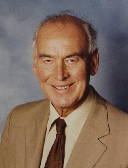 The late Gordon Philpott, the inspirational headteacher who founded Fairfax, is to be the subject of the new portrait.
