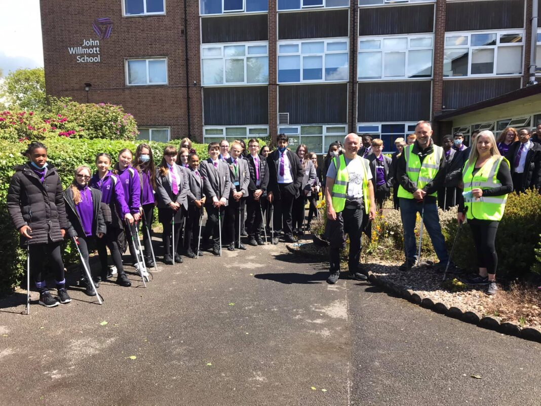 Andy Biddle, Richard Parkin and Debbie Lake of Sutton Coldfield Litter Action Group (SCLAG) with John Willmott pupils.
